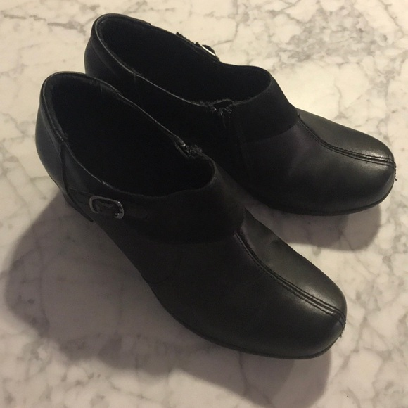 Clarks Shoes - Clarks Ankle Boots Size 8M